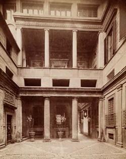 Дворик палаццо Массими в Риме (Б. Перуцци)