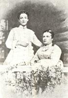 Камилла Альбертовна Бенуа со своей старшей дочерью Камиллой. 1875 г.