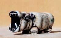Гиппопотам (Б. Цельникер, кость, тонировка)